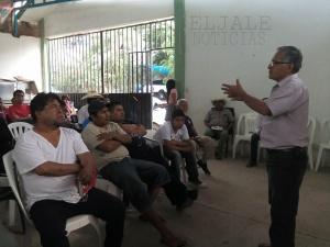 Tlapa.30/01/2016. Vecinos en su conformacion del Frente Popular de Tlapa en una asamblea realizada en la Tepeyac. Foto Antonia Ramírez
