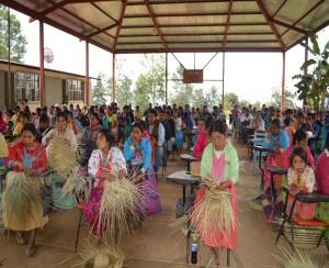 Padres y madres na savi Mixtecapa acuerdan bloqueo