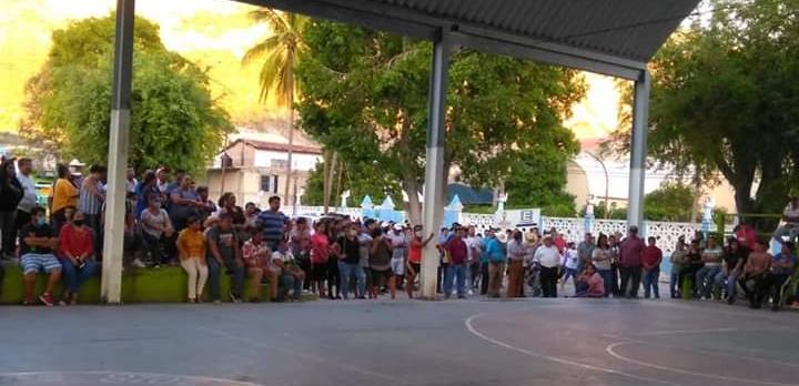 16 de junio 2020, Pobladores de Huamuxtitlán en asamblea por la inseguridad que padecen.